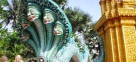 Du lịch Campuchia nghe câu chuyện về Thần Rắn 9 đầu ở chùa Khmer