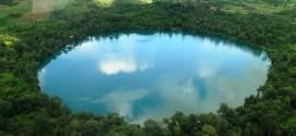 Tham quan hồ núi lửa ở Campuchia
