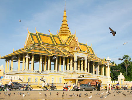 Hoàng cung lộng lẫy, yên bình Campuchia
