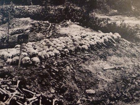 Cảnh tượng rùng rợn ở cánh đồng chết Campuchia