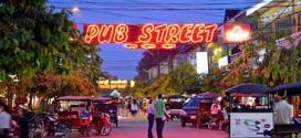 Hưởng thụ cuộc sống về đêm ở Pub Street