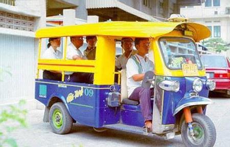 Tuk tuk phương tiện giao thông công cộng phổ biến ở Phnom Penh