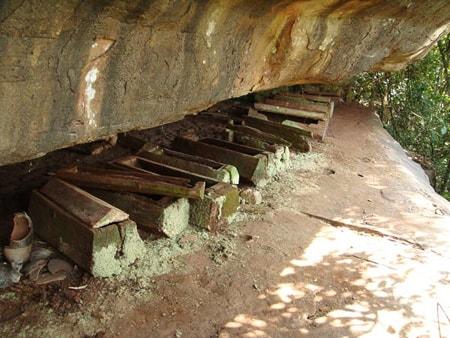 Những chiếc quan tài bằng gỗ được phát hiện tại nghĩa địa