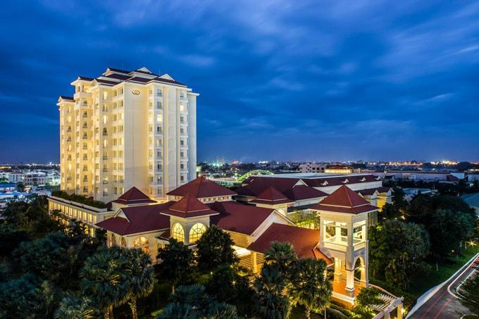 Khách sạn 5 sao Sofitel Phnom Penh Phokeethra