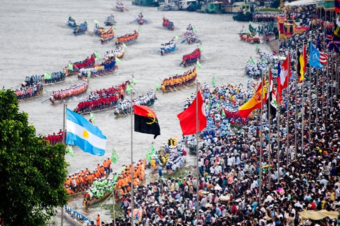 Hàng năm lễ hội thu hút hàng nghìn người tham gia