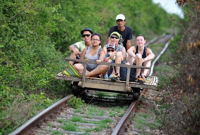 phương tiện giao thông độc đáo ở Campuchia-min