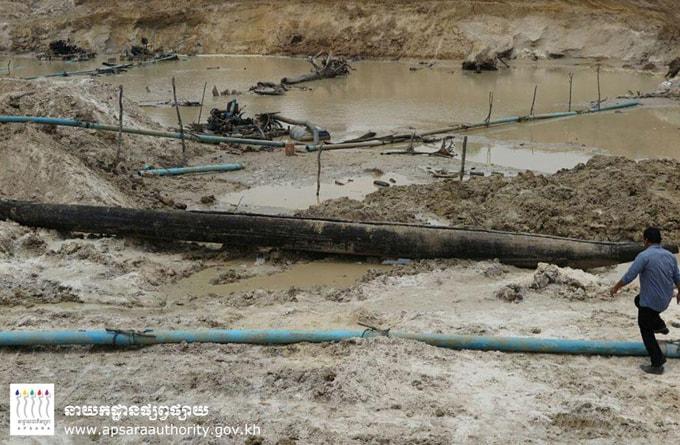 Thuyền cổ được tìm thấy ở Angkor-min (1)