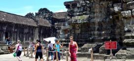 Cấm du khách ăn mặc không lịch sự vào đền Angkor