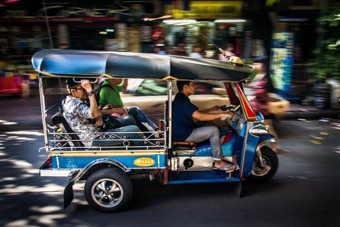 tuk tuk ở Campuchia-min